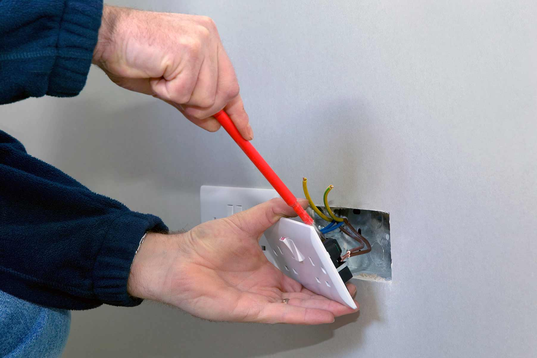 Our electricians can install plug sockets for domestic and commercial proeprties in Tilbury and the local area.